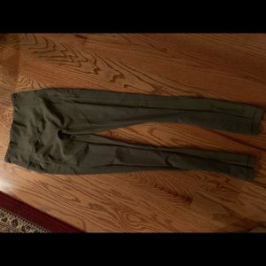Lululemon fitted women's size 4 leggings khaki